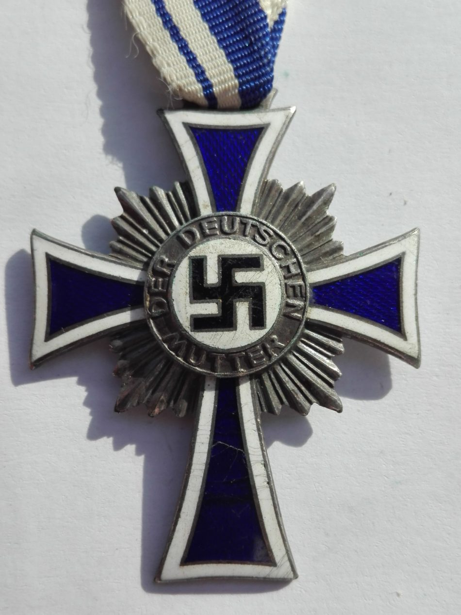 Silver Mothers Cross Obverse