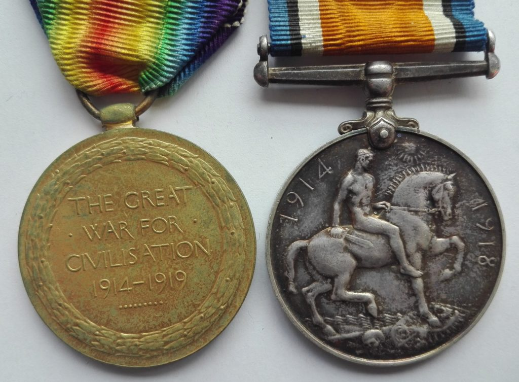 Reverse of pair of WW1 medals to the Queens regt