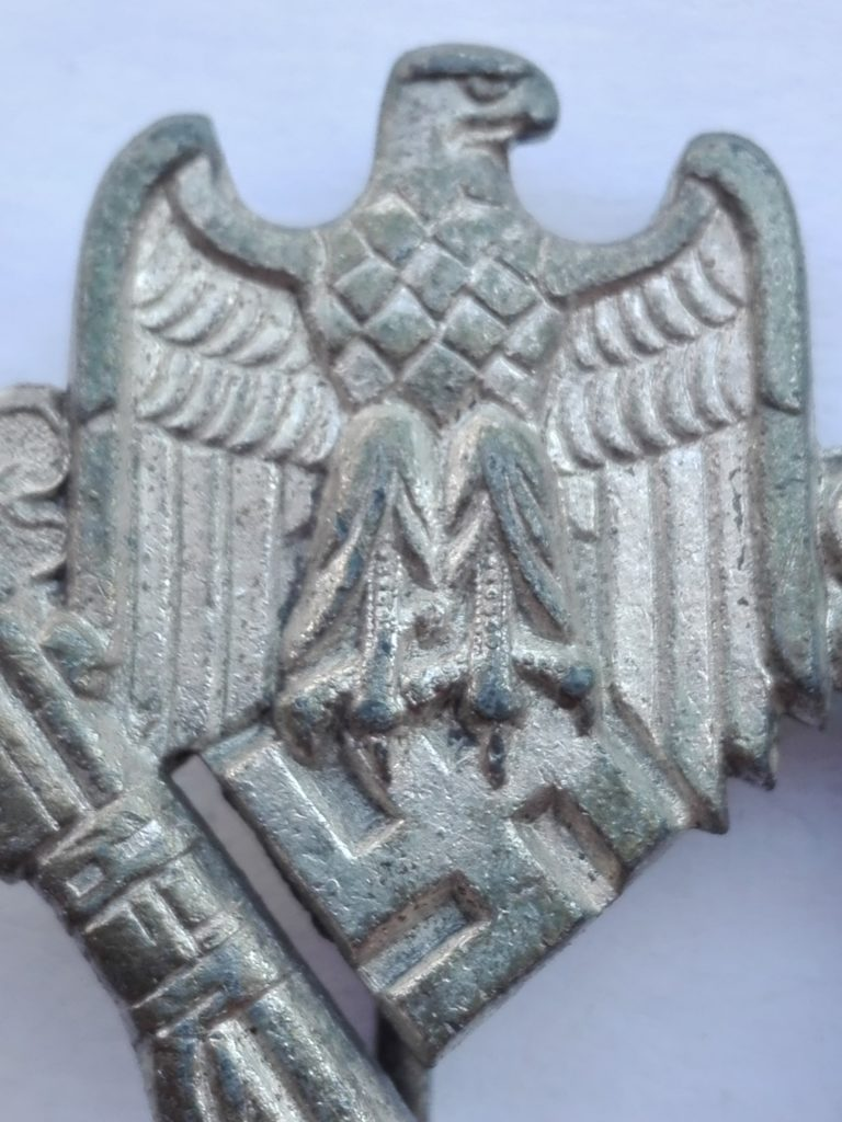 """Close up of the Eagle, Note the remains of silver """"Frosting"""" within the feathers. Also note the Eye of the Eagle."""