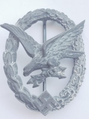 WW2 German Radio operator and Air Gunner badge by W Deumer Ludenscheid Obverse