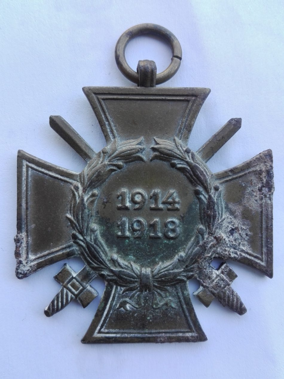 Germany 1914 1918 War service cross with swords GG Obverse