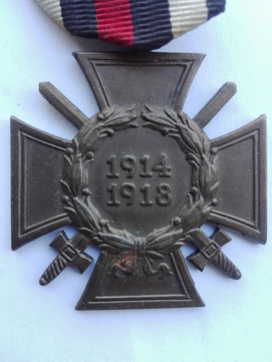 Germany 1914 1918 War service cross with swords N&H Obverse