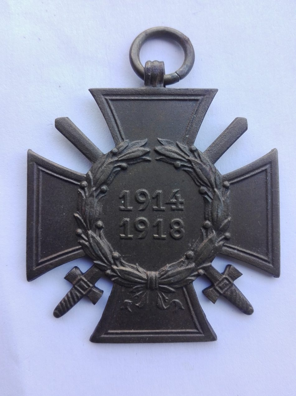 Germany 1914 1918 War service cross with swords maker marked B.N.L. in raised letters
