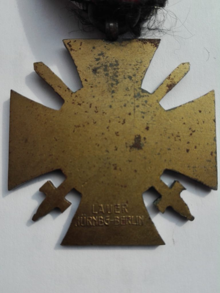 Lauer WW1 German war service or Hindenberg cross reverse